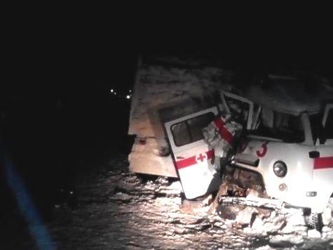 Нетрезвый шофёр скорой вылетел навстречку ипротаранил КамАЗ