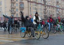 В Москве прошли соревнования по езде на трехколесных велосипедах