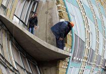 Мужчину, купившего подмосковную квартиру с незаконным балконом, заставили его сносить